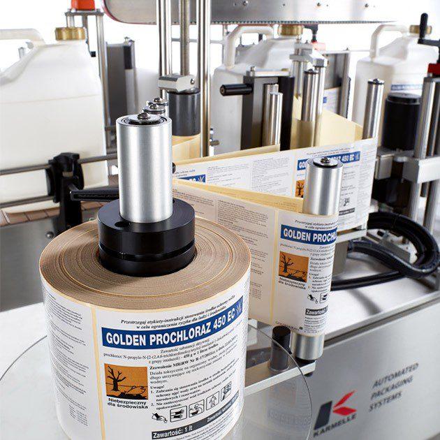 Front and back side-apply labeller